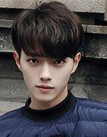 男生锅盖头短发发型 今年流行的男生短发发型