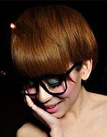 金棕色染发颜色女生短发