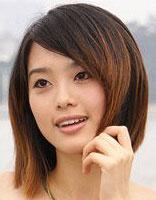 不对称效果小脸女生短发烫发