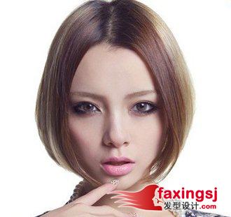 宽颧骨女生中分的刘海短发发型图片