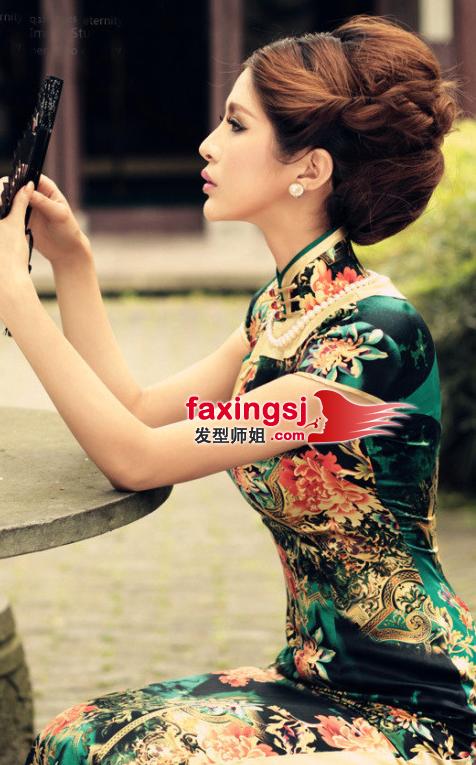 旗袍美女盘发发型图片展示