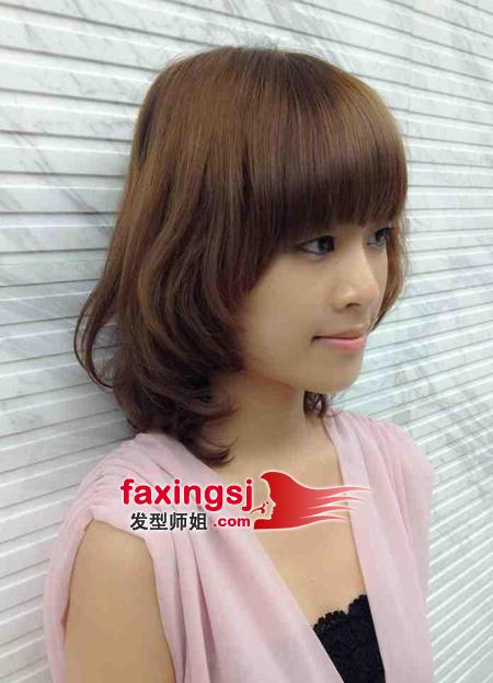 齐刘海内扣短梨花-齐刘海女生短发发型图片