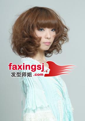 齐刘海女生短发发型图片图片