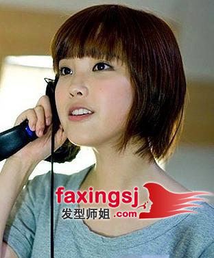 圆脸学生妹短发直发发型(3)