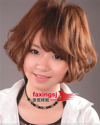 中年女性的国字脸适合什么发型(2)图片