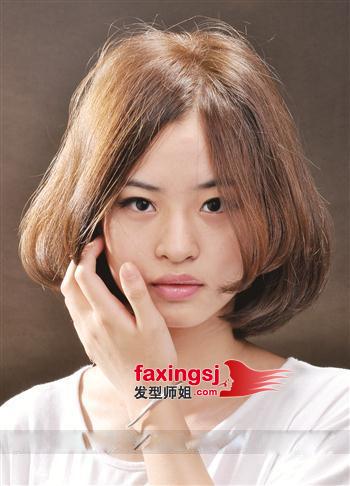 短发时尚国字脸发型图片(4)图片