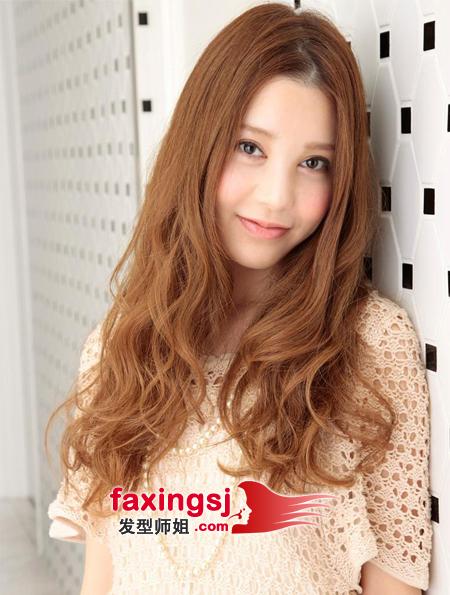 气质中分刘海长卷发发型 中分刘海下的长卷发魅力 发型师姐图片