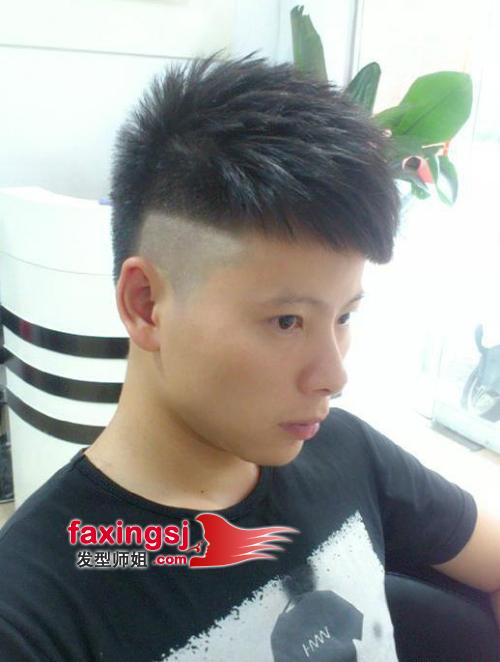 男生直短发发型图片 简洁男生发型设计