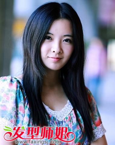 <b>纯净优雅的女生中分长直发</b>