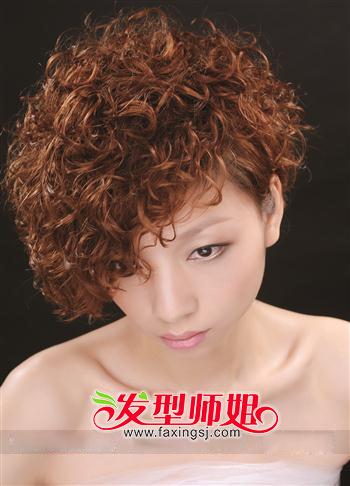 女生短发怎么烫烟花烫显时尚(2)_发型师姐图片