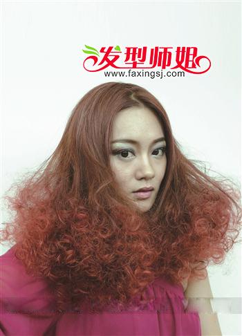 引领烫发时尚 女士烟花烫发型图片(3)图片