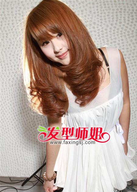 中长发梨花头发型设计 不可错过的气质梨花头 发型师姐