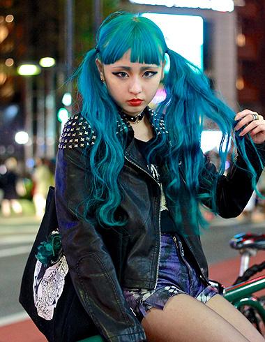 蓝色头发 深黑蓝色头发图片 女生蓝色头发怎么染 发型师姐