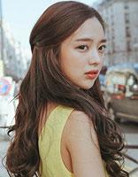 韩式淑女半扎发 时尚简约显甜美