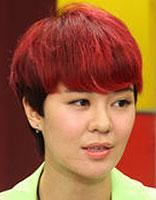 郁可唯短发登场 女唱将歌声美发型更美
