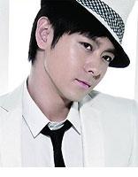 童颜男星林志颖发型 帅气潇洒KO二十岁小伙