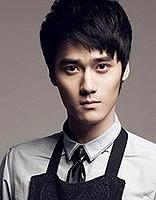 新生代演员蒋劲夫短发发型 时尚帅气显型男