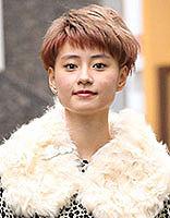 日系露耳短发发型 时尚清爽帅气甜美