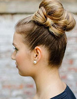 时尚蝴蝶结扎发发型 打造灵动俏丽美女