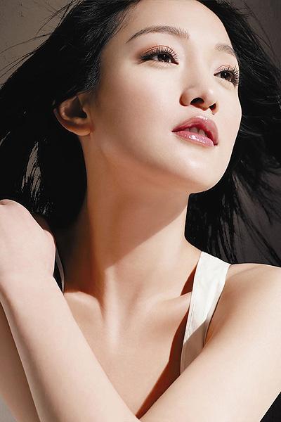 """清纯女星周迅发型 倾情演绎""""清水出芙蓉"""""""