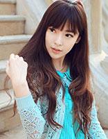 优雅卷发清新甜美 气质女生发型展现青春活力