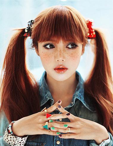 韩系红棕色流行发型 展现甜美轻熟范