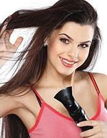冬季吹风机使用技巧 让头发吹发不伤发