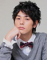 日韩系男神烫发 线条长发给你想要的范儿