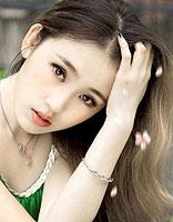 唯美飘逸中式女生长发 巧妙搭档小瘦脸