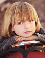 小萝莉波波头短发发型 尽显孩子的天真烂漫