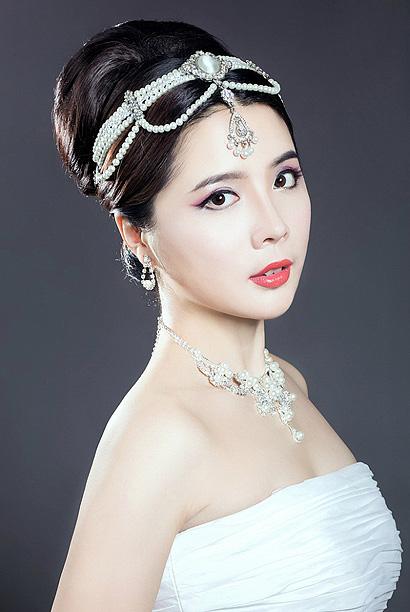 2015最新新娘复古风发型图片 复古新娘盘发发型教程