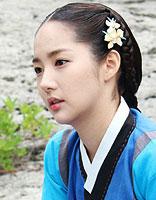 复古韩式盘发发型 韩式复古盘头发方法