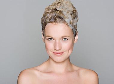 当心洗发水里的这些成分 长期使用致癌又伤记忆力