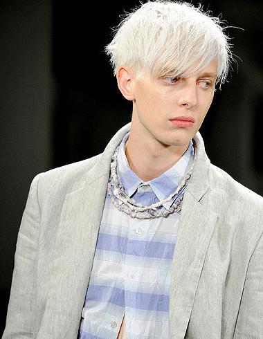 男生漂染发型 漂染浅色头发好看吗