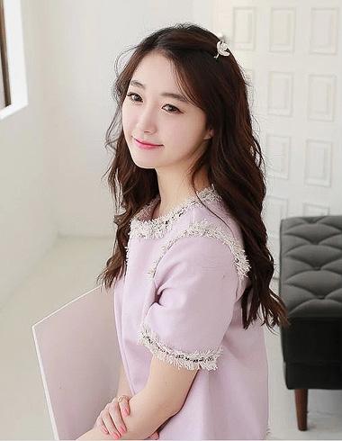 时尚女生梳长发 韩式淑女长发发型