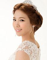 长脸适合什么新娘造型图片 瘦长脸新娘盘发