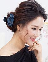 中年女人大圆脸的发型 大圆脸比较职业的扎头发发型图片