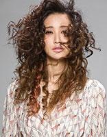 长发小卷发型 烫发层次小卷发型图片