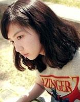 小脸瘦脸的女生适合的时尚发型 瘦脸免烫自然卷短发发型