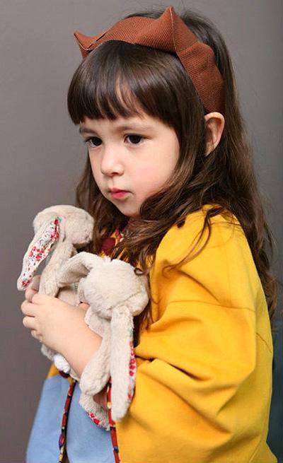 长发小女孩的发型 好看的长发发型图片