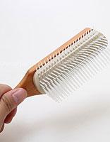 7种梳子的不同用法 让美发变得更简单