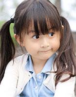 宝贝自己能扎的可爱发型 可爱4-5岁小女孩发型图片