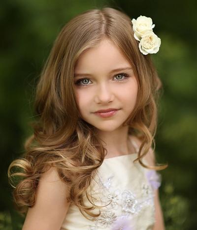 儿童自然卷头发的扎法 儿童小女孩做什么发型好看