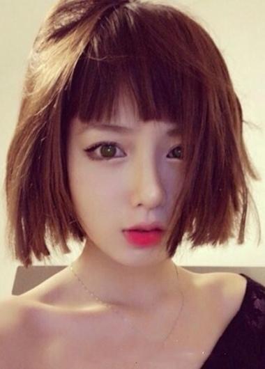 2015女生中短发烫发发型 女生中短发发型