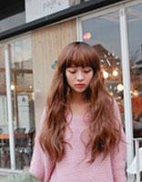 刘海卷发怎么弄好看 长卷发刘海发型的图片