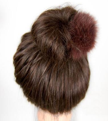 盘蓬松丸子头造型基础篇,最简单的中长发丸子头扎发教程,现在开始!图片