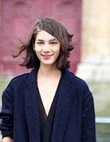 女生长斜刘海直发发型 37分斜刘海直发发型