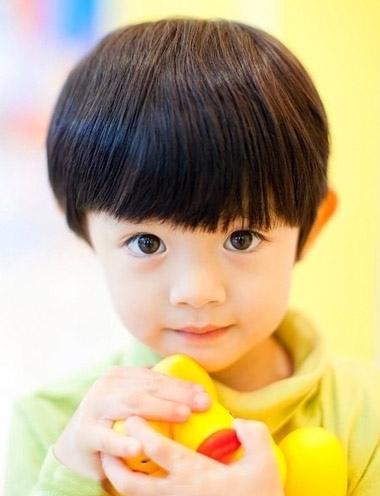 > 男孩发型 >   最美的年华是孩子还在身边的时候,尤其是在小孩还小的