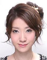 长脸盘什么发型好看 适合长方形脸的盘头方法