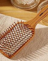 清洁梳子的正确方法 维护头发头皮健康环境